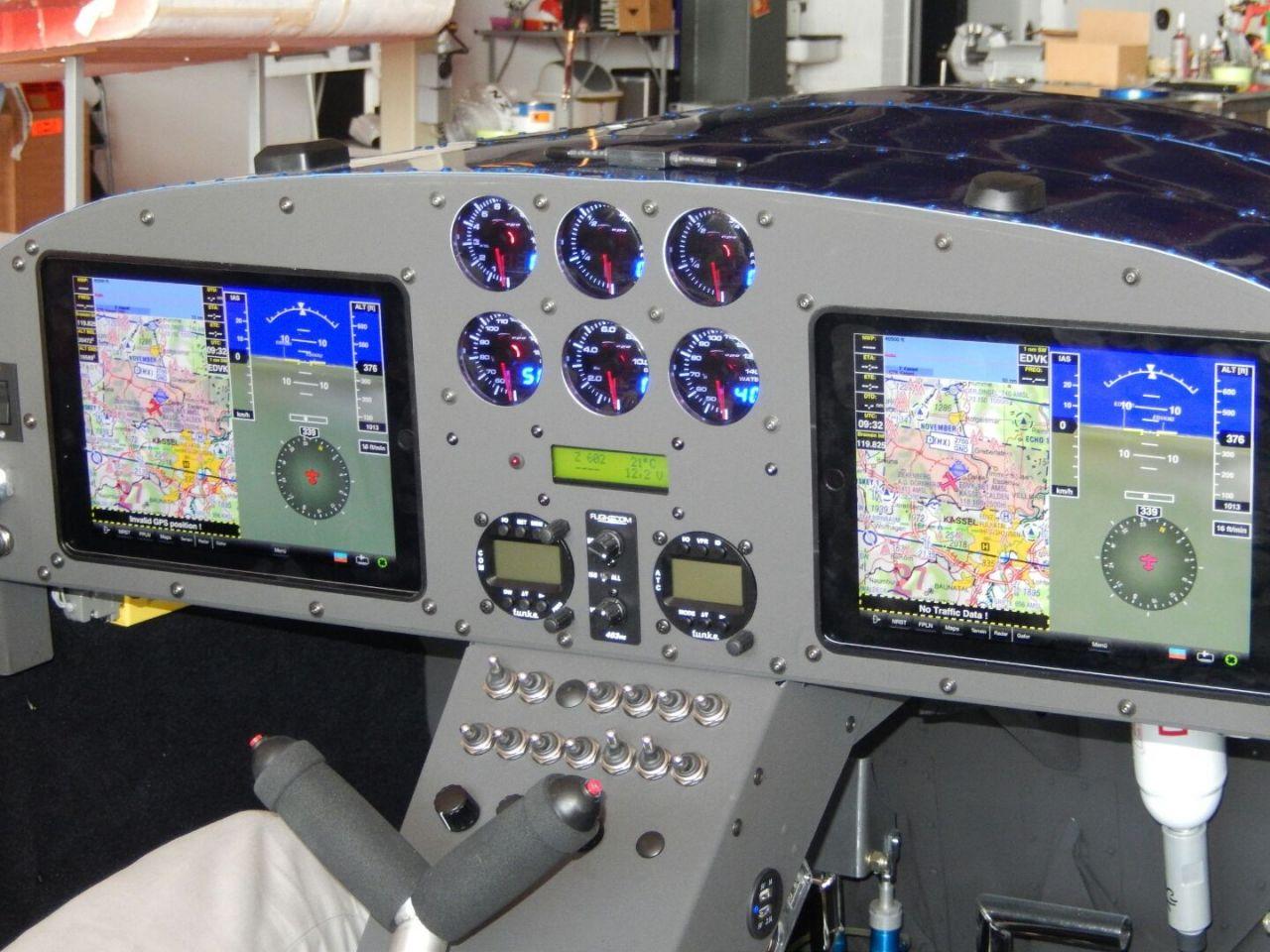 DSCN2191 - Die erste Z602 mit 2 vollintegrierten iPADs.
